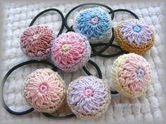 丸モチーフのヘアゴムの作り方|編み物|編み物・手芸・ソーイング|アトリエ|手芸レシピ16,000件!みんなで作る手芸やハンドメイド作品、雑貨の作り方ポータル