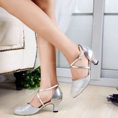 d43deb05db175 Femmes Pailletes scintillantes Cuir verni Talons Escarpins Salle de bal  avec Lanière de cheville Chaussures de danse (053108872)