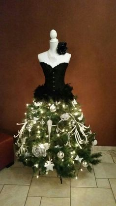 100 Christmas Dress Forms Ideas Dress Form Christmas Tree Christmas Tree Dress Mannequin Christmas Tree