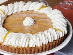 Pumpkin Banana Mousse Tart #FNMag #ThanksgivingFeast