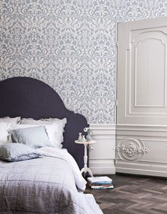 Ornamental Damask Bedroom Wallpaper - R2057