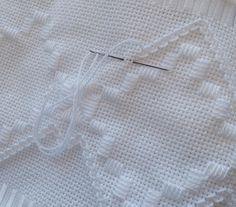 """51 Likes, 5 Comments - Patricia S. B. Paschoini (@ateliepatibordados) on Instagram: """"Bordando... #embroidery #euquefiz #bordadoamao #pontoreto"""""""