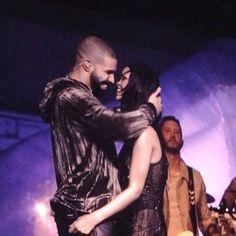 Ele & Elis Blog: Did Rihanna and Drake KISS last night?(Photos)