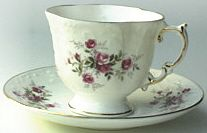 Heirloom teacup & saucer Victorian Scatter Rose