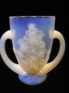 1000 images about french pressed glass on pinterest art deco vase and coupe - Vase ancien en verre ...