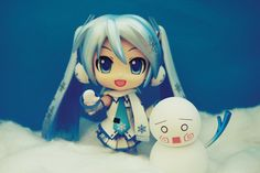 Snow Miku says Hello by jen-den1