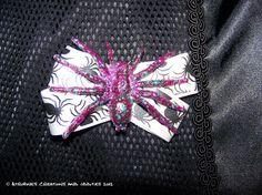 Eeeeeeek Spiders Skull Hair bow/ Gothic by AtropineSteele on Etsy, $5.00