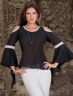 Swans Style is the top online fashion store for women. Cute Fashion, Look Fashion, Runway Fashion, Womens Fashion, Fashion Tips, Fashion Design, Modelos Plus Size, Weekend Wear, Classy Outfits