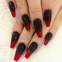 Black and red nails perfect for Halloween!