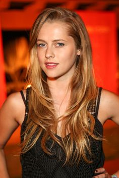 Teresa Palmer at #Coachella. See all the celebrity looks from the festival when you click: