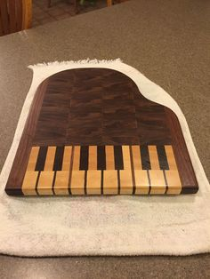 Grand piano cutting board! Walnut and birch! Gift for a piano-playing sister!