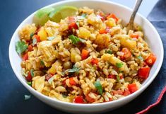 The perfect Thai fried rice recipe at pineapple! Rice Recipes, Indian Food Recipes, New Recipes, Vegetarian Recipes, Healthy Recipes, Ethnic Recipes, Healthy Food, Thai Fried Rice, Thai Rice