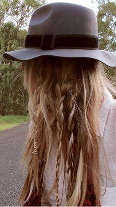 hat! braids. braids. brraayyyeeeddds.