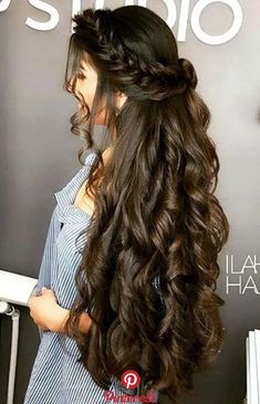 How to grow natural hair fast and healthy? Hair is very important for our looks and self-image. Act today and regrow your new stronger hair with us! Wedding Hairstyles For Long Hair, Elegant Hairstyles, Braided Hairstyles, Beautiful Long Hair, Gorgeous Hair, Silky Hair, Trending Hairstyles, Textured Hair, Prom Hair