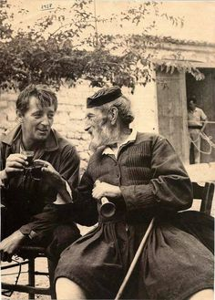 Summer of 1959 ~ Robert Mitchum with a Greek friend in Arachova Old Pictures, Old Photos, Vintage Photos, Kai, Places In Greece, Greece Photography, Greek History, Greek Art, Athens Greece