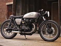 Iconic and Classic Honda CB450 café racer shows no sign of waning in popularity.