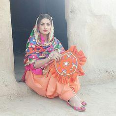 @loveforjutti Punjabi Salwar Suits, Designer Punjabi Suits, Punjabi Dress, Punjabi Fashion, Indian Fashion, Indian Suits, Indian Wear, Punjabi Models, Persian Girls