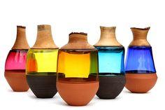 """""""Die Objekte """"Stacking Vessels"""" von Pia Wüstenberg vereinen die Materialien Keramik, Glas und Holz zu einer funktionalen Skulptur."""" Wouw I really love the combination glass/ceramics!!"""