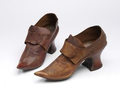 1700, England - Shoes - Leather, wood, linen thread