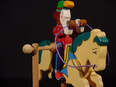 Mario Calderon - RINCON ARTESANAL, TU PORTAL DE PROMOCION Y VENTA DE ARTESANÍA VENEZOLANA Portal, Mario, Christmas Ornaments, Holiday Decor, Home Decor, Wood Toys, Museums, Artworks, Venezuela