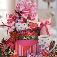 How To Make Homemade Valentine's Day Gift Baskets - InfoBarrel Homemade Gift Baskets, Valentine's Day Gift Baskets, Homemade Gifts, Valentines Day Baskets, Valentine Day Crafts, Valentine Gifts For Girlfriend, Birthday Gift For Wife, Birthday Ideas, Homemade Valentines
