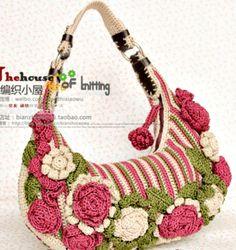 Bolsa em crochê com muitas flores