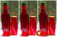 Fantastický domáci jahodový sirup, ktorý vyrobíte len z 1 šálky jahôd. Z tohoto množstva získate 1,5 l úžasného sirupu bez chémie a éčok.Potrebujeme:1 hrnček jahôd (250 ml) - domáce, alebo lesné80 ks jahodových alebo medovkových … Med, Hot Sauce Bottles, Lemonade, Drinks, Syrup, Liquor, Drinking, Beverages, Drink