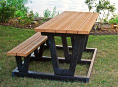 Universal Access Lenexa Recycled Plastic Picnic Table