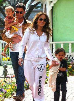 Jennifer Lopez Wearing Dana Rebecca Designs Lauren Joy Mini Necklace