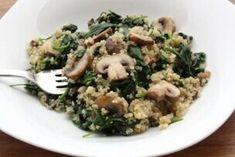 Desať dezertov s mascarpone pre víkendovú pohodu - Žena SME Quinoa Spinach, Spinach Stuffed Mushrooms, Mini Cheesecakes, Risotto, Hummus, Clean Eating, Food And Drink, Low Carb, Rice
