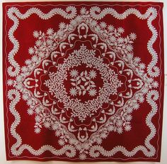 Red and white quilt by Keiko Ike.  22nd International Quilt Week Yokohama, 2014.  Photo by Queenie's Needlework