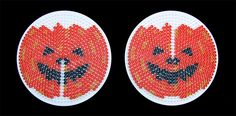 Halloween græskar af Hama perler | HAMA perler Melty Bead Patterns, Pearler Bead Patterns, Perler Patterns, Beading Patterns, Diy Perler Beads, Pearler Beads, Halloween Decorations For Kids, Halloween Gifts, Hama Beads Halloween