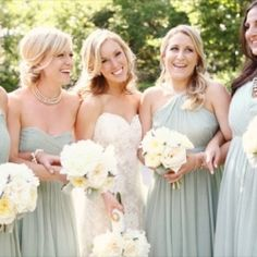 How to Keep Bridesmaids Happy: 10 Simple Rules (photo: di bezi)
