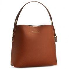 0b4bb9a07d A(z) Táskák / Bags nevű tábla 358 legjobb képe | Burberry handbags ...