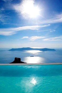 La Maltese hotel infinity pool magnificently perched 250 metres above the waters of the Santorini caldera, Greece ✯ ωнιмѕу ѕαη∂у Places Around The World, The Places Youll Go, Places To See, Around The Worlds, Dream Vacations, Vacation Spots, Disney Vacations, Beautiful World, Beautiful Places