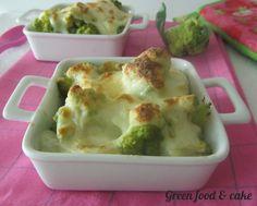 Cavolfiori gratinati, #ricetta con besciamella #vegana http://blog.giallozafferano.it/greenfoodandcake/cavolfiori-gratinati/