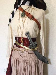 Small Adult Women's Pirate Halloween Costume With Belts & Female Pirate Costume, Pirate Halloween Costumes, Halloween Outfits, Diy Pirate Costume For Women, Halloween 2018, Halloween Ideas, Halloween Party, Halloween Decorations, Pirate Wedding