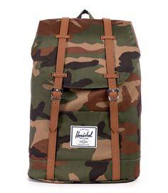 De Retreat Backpack van Herschel Supply Co. is een stoere rugzak, een klassieker zoals we die kennen van Herschel! (€89,99) #Retreat #Schooltassen #herschelsupply #camougflage
