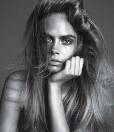 Cara Delevingne Psorasis Flare Up At Fashion Week #CaraDelevingne #Psoriasis #SkinCondition #Modelling