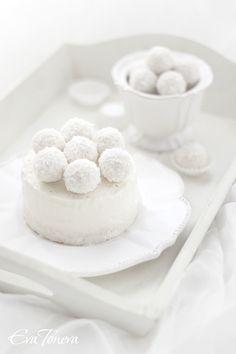 Raffaello iced cheesecake