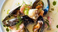 Fiskesuppe med fisk og skalldyr av Geir Skeie
