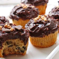 Peanut Butter chocolate chip cupcakes_opt