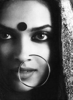 She is arresting. This is supposedly Deepika Padukone Deepika Padukone, Shraddha Kapoor, Ranbir Kapoor, Priyanka Chopra, White Photography, Portrait Photography, Creative Photography, Bindi, Beautiful Bollywood Actress