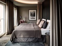 This is how the hotel feel is created in the room (according to an interior expert) - Home Bedroom, Modern Bedroom, Master Bedroom, Hotel Bedroom Design, Bedrooms, Design Hotel, Bedroom Designs, House Of Philia, Romantic Bedroom Decor