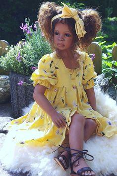 Doll by Annette Himstedt Real Baby Dolls, Black Baby Dolls, Beautiful Babies, Beautiful Dolls, African American Baby Dolls, American Girls, Reborn Toddler Girl, Annette Himstedt, Silicone Reborn Babies