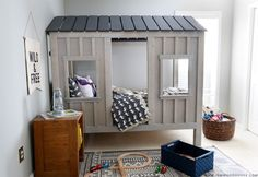 How to build a Restoration Hardware-inspired DIY cabin bed via Jen Woodhouse and Ana White Diy Cabin Bed, Cabin Beds For Kids, Diy Home Decor Rustic, Diy Home Decor Bedroom, Enclosed Bed, White Cabin, Diy Bett, Building A Cabin, Restoration Hardware Bedding
