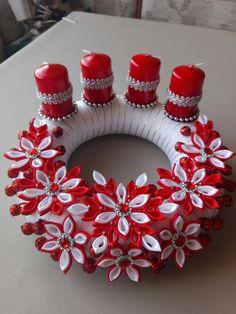 Christmas Balls, Christmas Tree Ornaments, Christmas Time, Christmas Wreaths, Ribbon Art, Ribbon Crafts, Flower Crafts, Christmas Centerpieces, Xmas Decorations