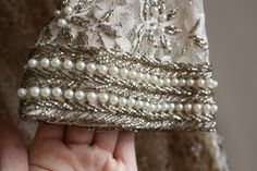 Embroidery for groom Pearl Embroidery, Tambour Embroidery, Couture Embroidery, Embroidery Stitches, Embroidery Patterns, Hand Embroidery, Embroidery Fashion, Bordados Tambour, Bordados E Cia