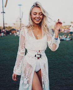 The Coachella Beauty Looks You Need To See - Festival outfit - - Festival outfits - Coachella Festival, Music Festival Outfits, Music Festival Fashion, Rave Festival, Festival Wear, Music Festivals, Fashion Music, Summer Festival Outfits, Summer Holiday Outfits