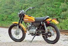 Vintage Motorcycles 857583954026590817 - Dumpster Diving for the Yamaha – Classic Japanese Motorcycles – Motorcycle Classics Source by josstout Trail Motorcycle, Womens Motorcycle Helmets, Scrambler Motorcycle, Motorcycle Engine, Honda Scrambler, Tracker Motorcycle, Motorcycle Girls, Enduro Vintage, Vintage Motocross